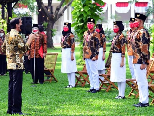 Mery Agustina dan Yasser Ramadhan Dinobatkan Sebagai Duta Pancasila Untuk NTB Oleh Presiden Jokowi di Istana Merdeka 1
