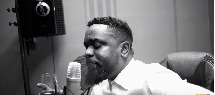 "LISTEN UP: Has Sarkodie replied Shatta Wale in new freestyle, "" My Advice""?"