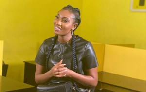"""""""I would love to have a feature with  Kofi  Kinaata & Stonebwoy"""" – Wendy Shay"""