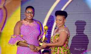 Akofa Edjeani Honored As 'Woman Of The Decade' At Women's Choice Awards