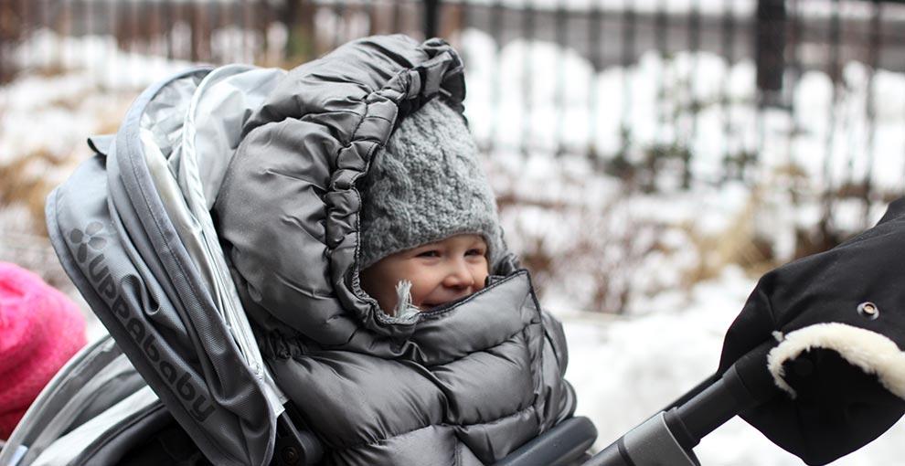 Spacerówka na zimę. Jaki wózek dla dziecka wybrać?