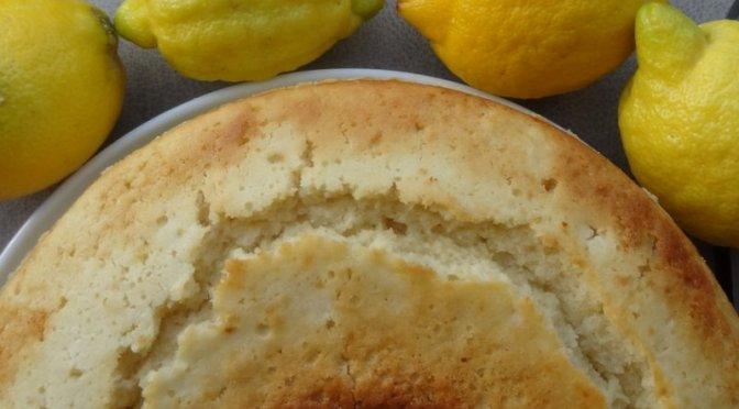 Zitronenkuchen aus dem Omnia Camping Backofen