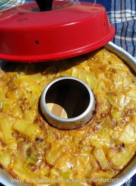Spanische Tortilla kochen-und-backen-im-wohnmobil