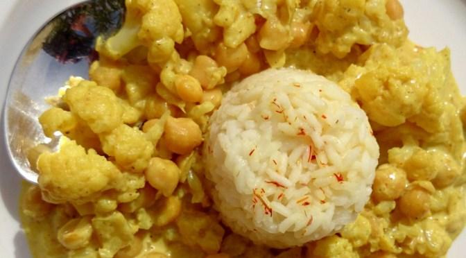 Kichererbsen Curry mit Blumenkohl