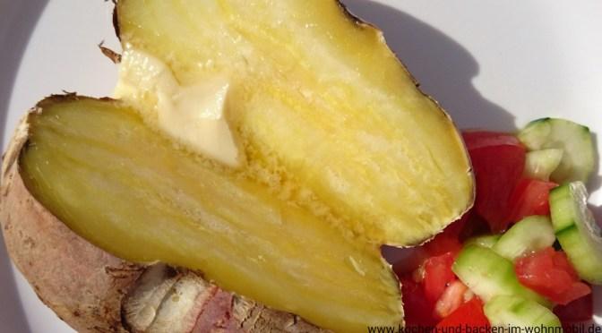 gebackene Süßkartoffeln aus dem Camping Backofen