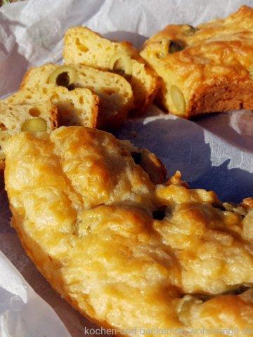 Olivenkuchen www.kochen-und-backen-im-wohnmobil.de
