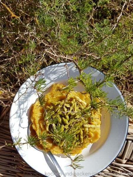Süßkartoffeln und grüner Spargel