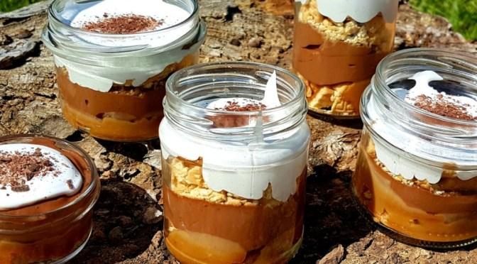 S'Mores : Keks – Karamell – Schokoladen – Marshmallow Dessert im Glas