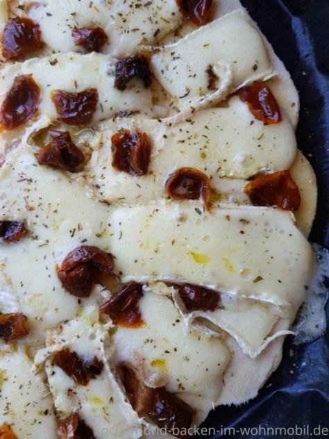 Blitzpizza aus der Pfanne
