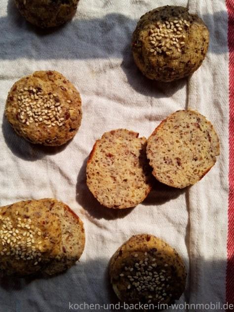 Omnia low carb Rezept: einfache glutenfreie low carb Brötchen