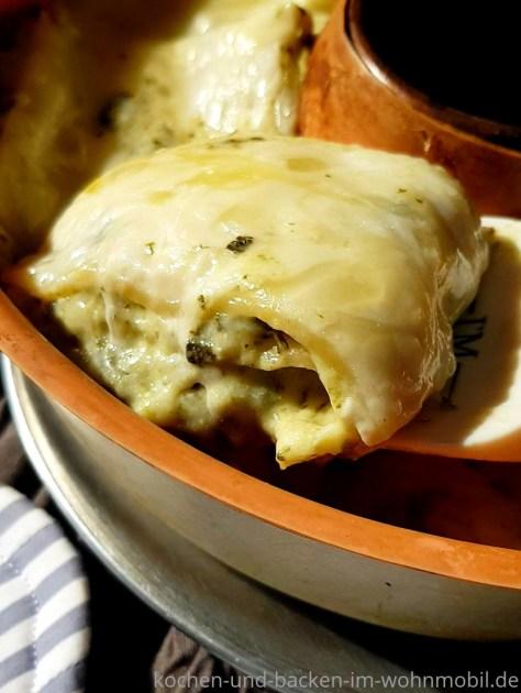 Lasagne aus dem OMNIA Backofen. Mit Spinat, cremiger Bechamelsoße und vielKäse. Nudeln ohne Vorkochen.