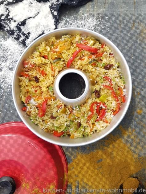 Einfaches One Pot Rezept für den Omnia Backofen: Indischer Reistopf