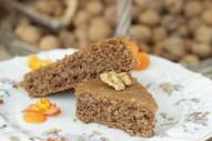 Vegane Walnuß - Dinkeltorte mit Nüsse aus hauseigenen Garten