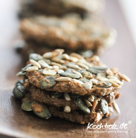 low-carb-cracker-kekse-herzhaft-1-9