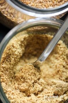 leinsamen-eier-flax-eggs-chia-eier-chia-eggs-rezept-natuerlicher-eiersatz-1-4