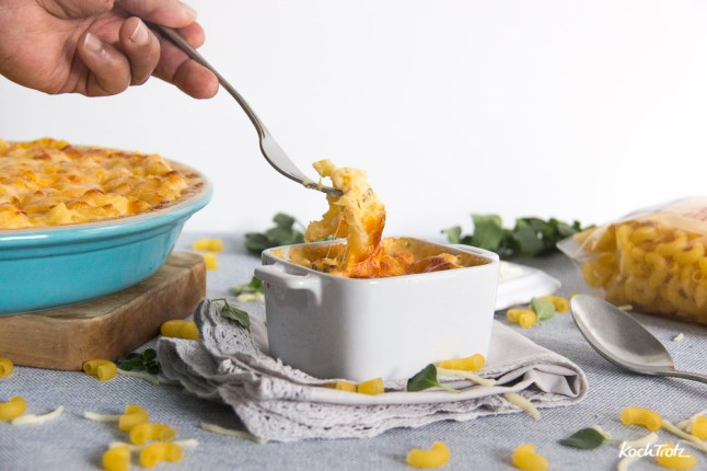 Macaroni and Cheese | glutenfrei | laktosefrei | überbackene Hörnchen mit Käsesauce
