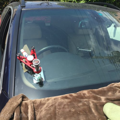 BMWのフロントガラスの傷