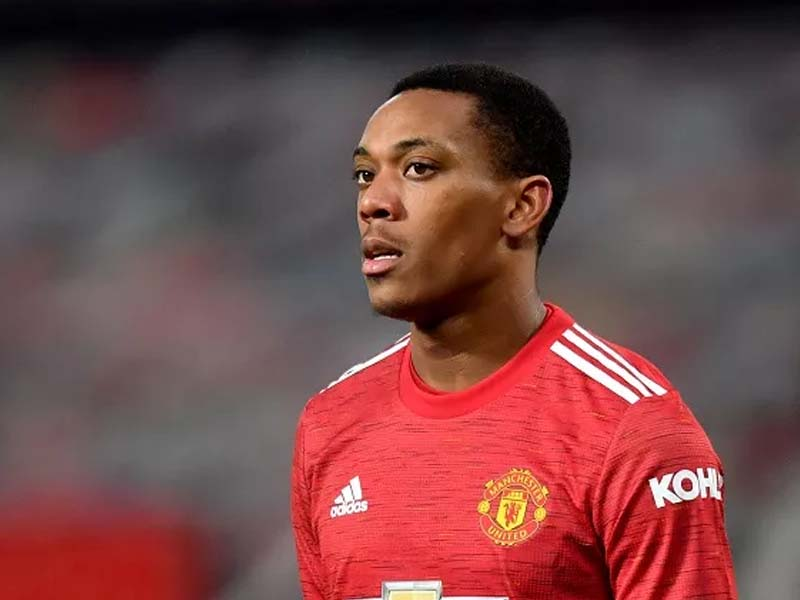 Ole Gunnar Solskjaer defends Anthony Martial amid Manchester United man's dip in form