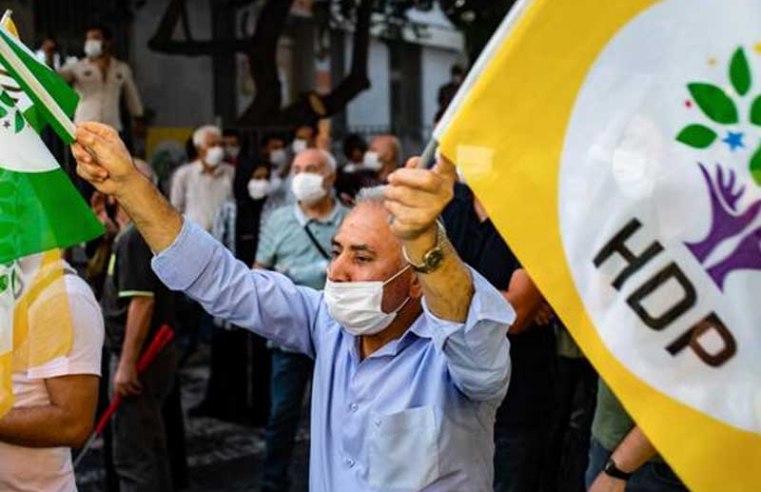 Turkish police detain dozens of pro-Kurdish party officials