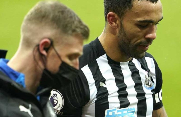 Newcastle's Jamaal Lascelles suffers suspected stress fracture, Callum Wilson set to return against Burnley