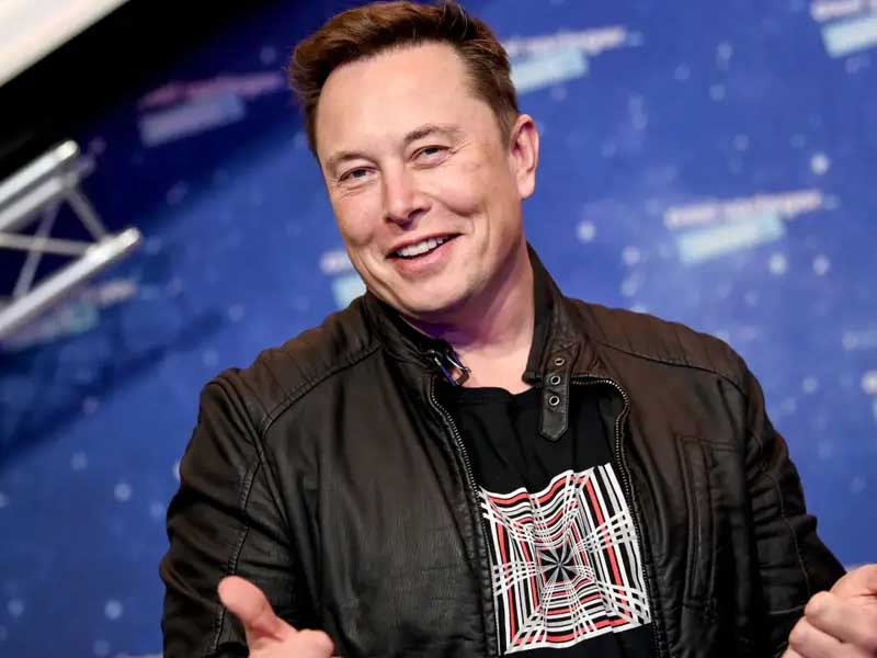Elon Musk Dubbed 'Robotic' in SNL Promo as He Bizarrely Promises to Behave During the Show