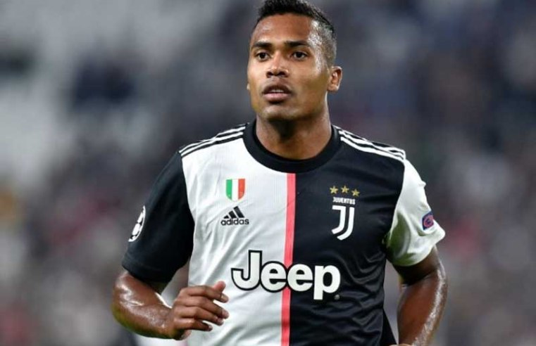 Chelsea, Manchester United and PSG keen as Juventus put star defender up for sale for €25M