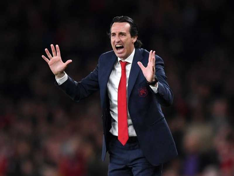 Villarreal mock Arsenal with Unai Emery picture after Europa League triumph
