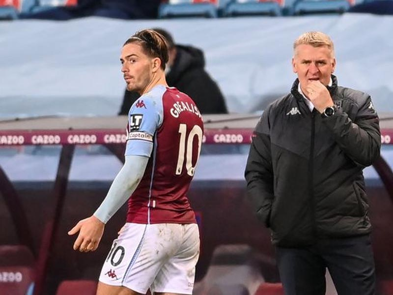 Aston Villa boss Dean Smith hits out at critics with defiant pointed statement