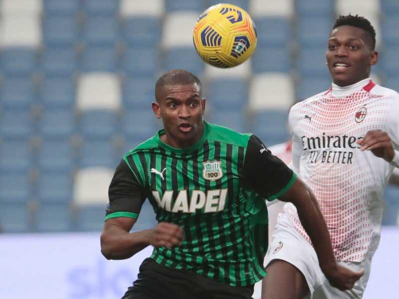 Milan set Leao price as Wolverhampton consider bid