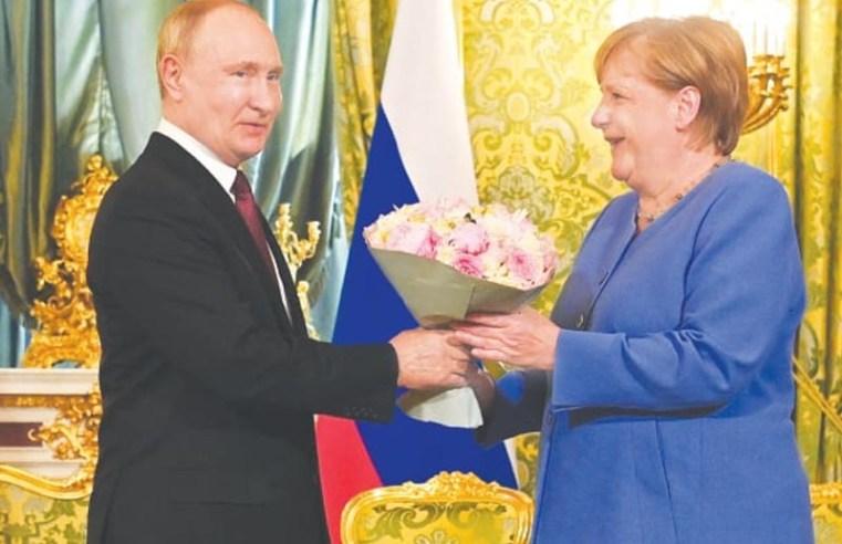Merkel, Putin clash over democratic values, Navalny