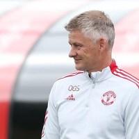 "Solskjaer's ""tried a few of Sir Alex Ferguson's tricks"" - Man Utd must stick by him"