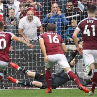 Manchester United's Jesse Lingard ensures Hammers pay penalty
