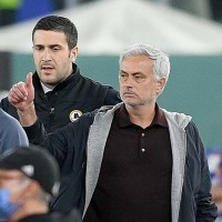 Jose Mourinho and Luciano Spalletti sent off in Roma's draw with Napoli