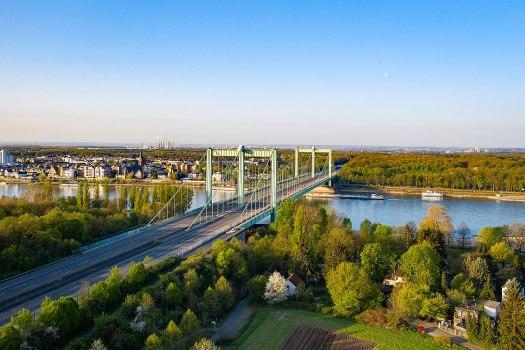 Die Rodenkirchener Brücke, Bild: Superbass / CC-BY-SA-4.0 (via Wikimedia Commons)
