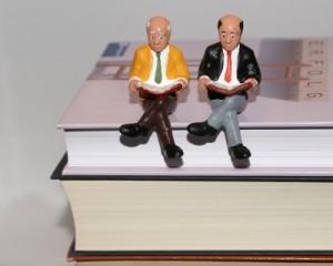 Gemeinsam Lesen bringt viele Vorteile. Foto: Stephanie Hofschaeger/pixelio.de
