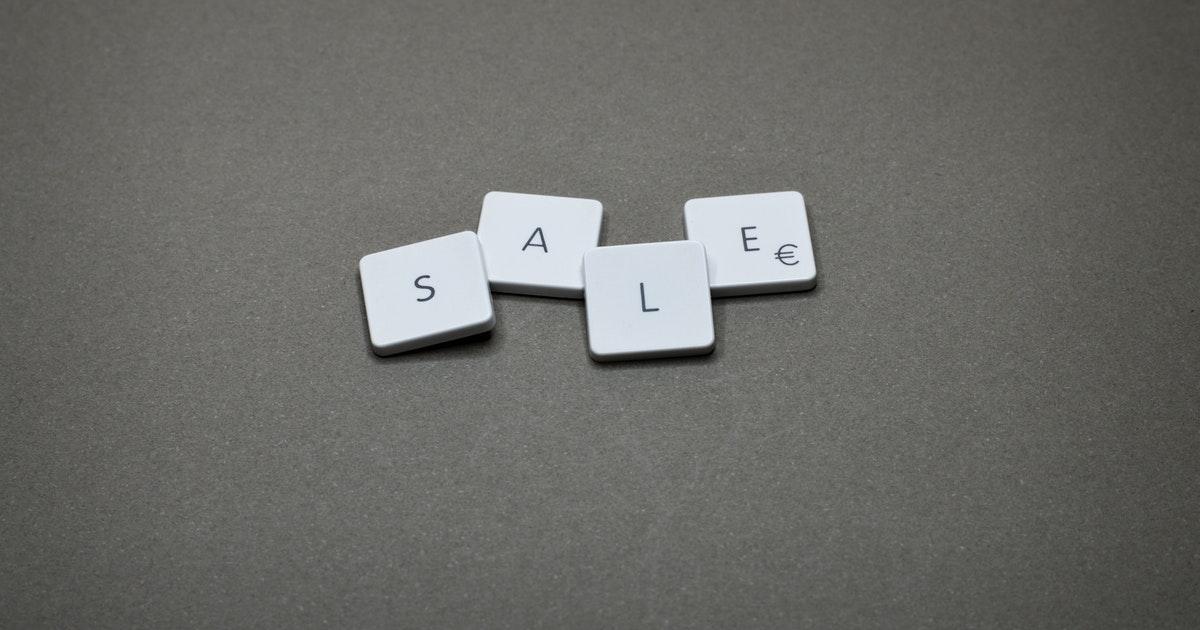 Customer Service Sale