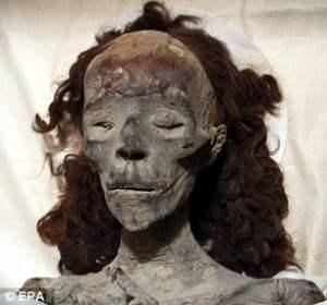 Nefertiti Tiye
