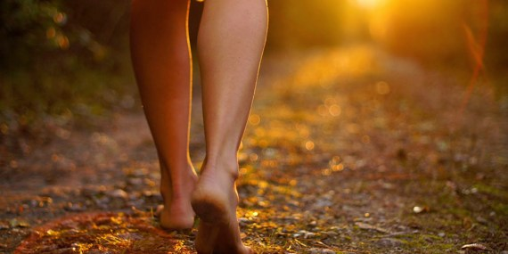 Camminare scalzi fa bene alla salute