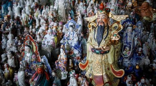 Santuario delle divinità con statuette