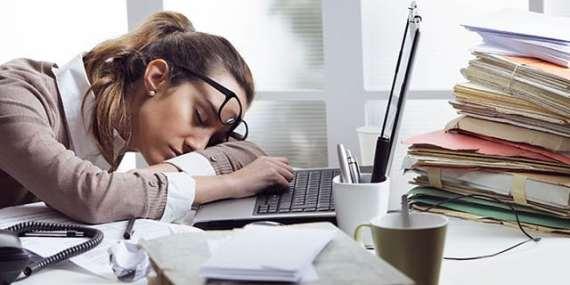 Turni di lavoro lunghi causano stanchezza e disattenzione, a rimetterci è anche il cuore