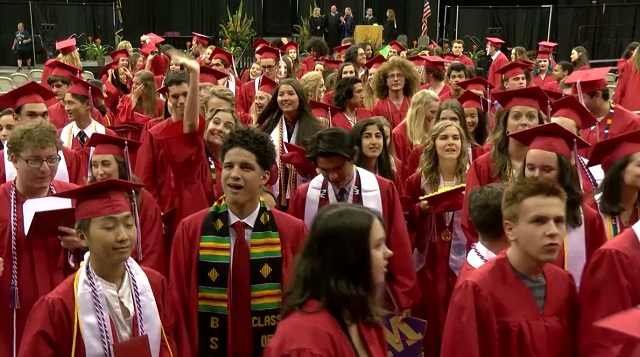 generic-high-school-graduation-b-2016-pps_397393