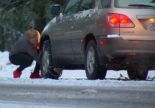 tire chains snow mountain B