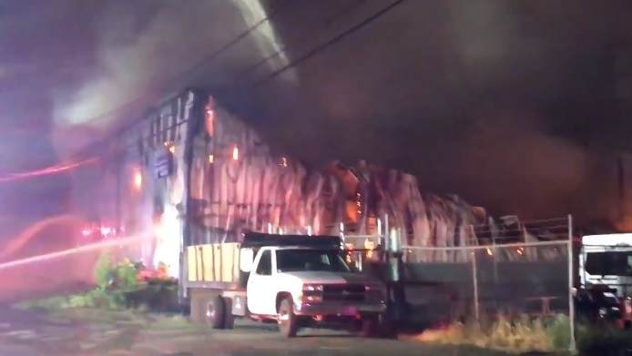 se portland warehouse fire_1559972563766.jpg.jpg
