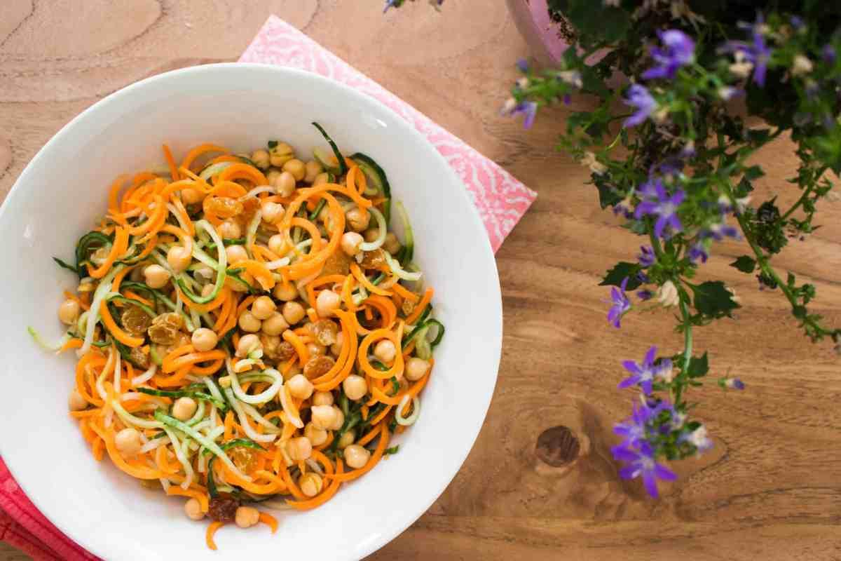 Spiraal salade met wortel en komkommer-3