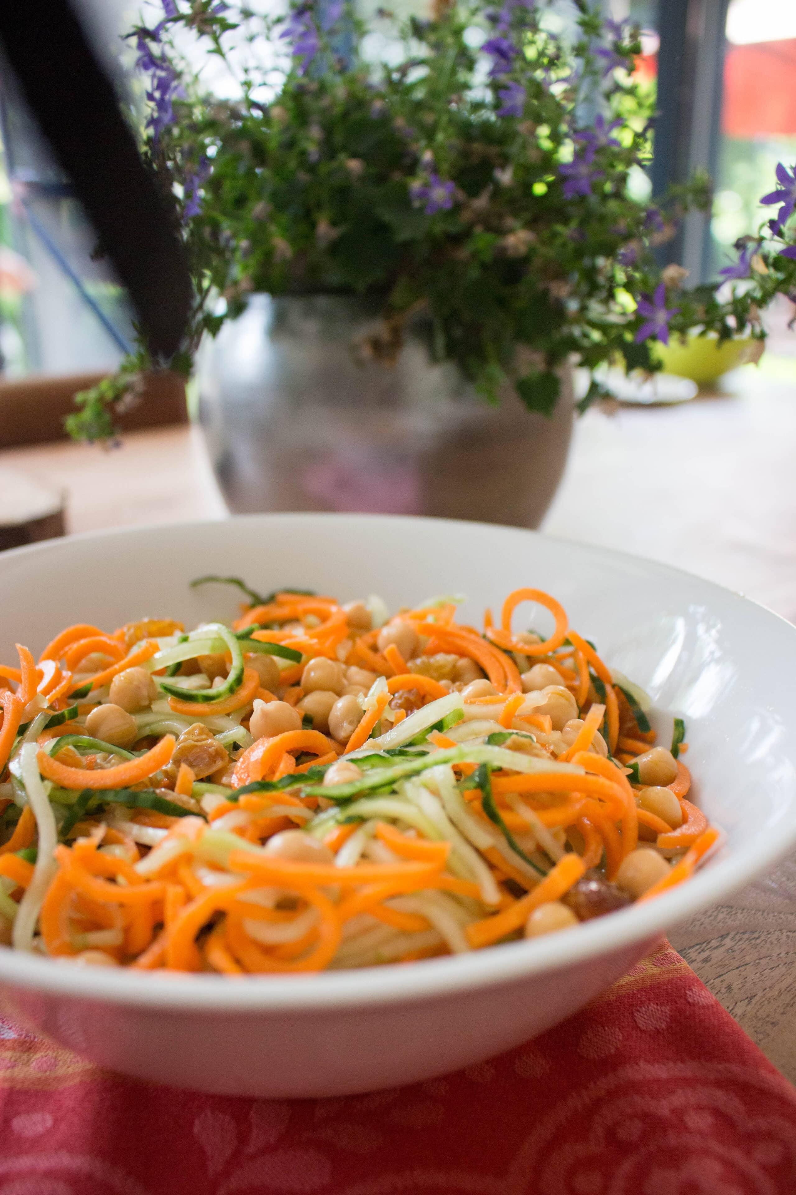 Spiraal salade met wortel en komkommer-5