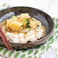 Snelle curry met aardappel & broccoli