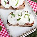 Bruschetta met ham & mozzarella