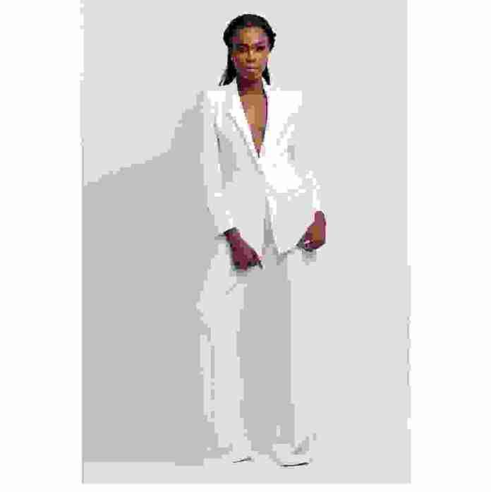 Lookbook: Jisola Studio Unveils 'The Cosmopolitan' Collection 9