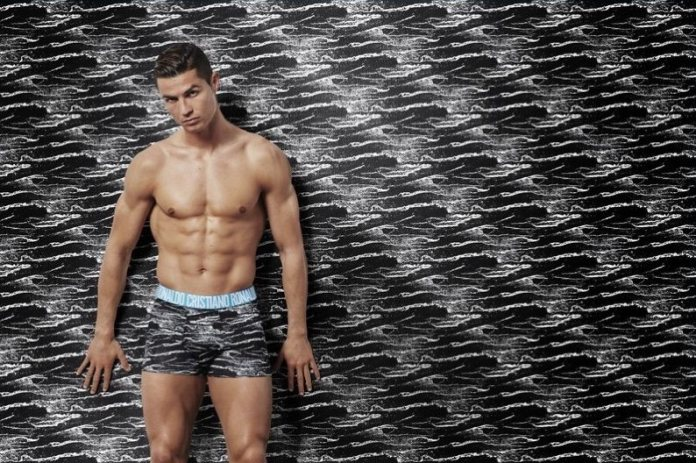 Cristiano Ronaldo Fronts His CR7 Underwear Autumn Winter 2017 Campaign. 2