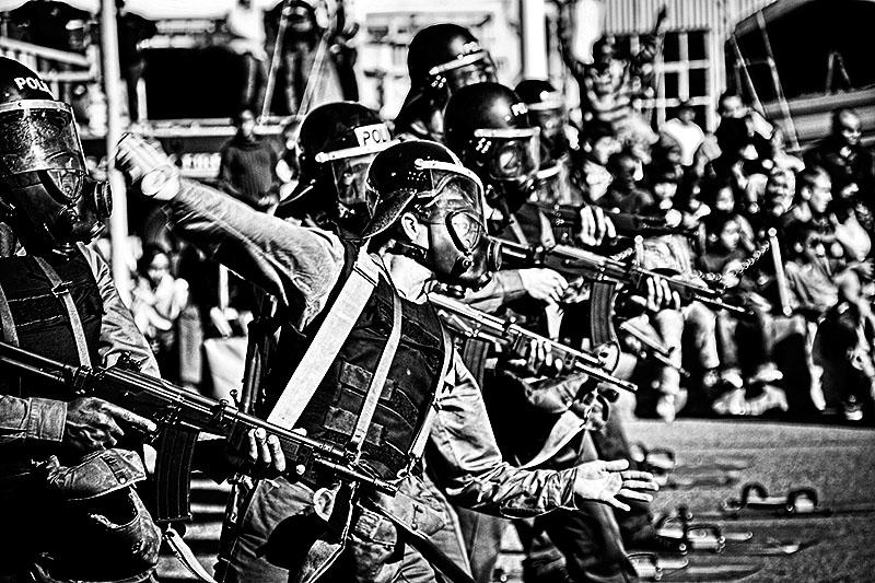 Riot Contol / Steve Crane (BY-NC-SA 2.0)